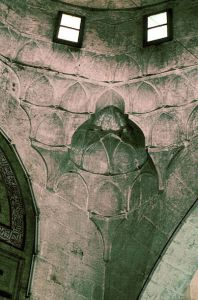 Squinch Arch, Mihrab Dome, Madrasa al-Firdaws. Photo © Çigdem Kafesçioglu, 1990. Image courtesy of MIT Libraries, Aga Khan Visual Archive.