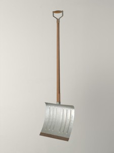 Marcel Duchamp, In Advance of the Broken Arm (1964 [prototype, 1915], wood and galvanized-iron snow shovel, 52 in [132 cm] high). Museum of Modern Art, New York.